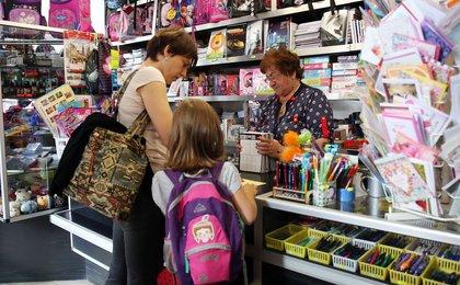 Polacy na zakupach. Tylko trzy na dziesięć osób czyta etykiety
