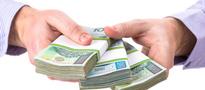 Polacy biorą mniej kredytów, ale na wyższe kwoty
